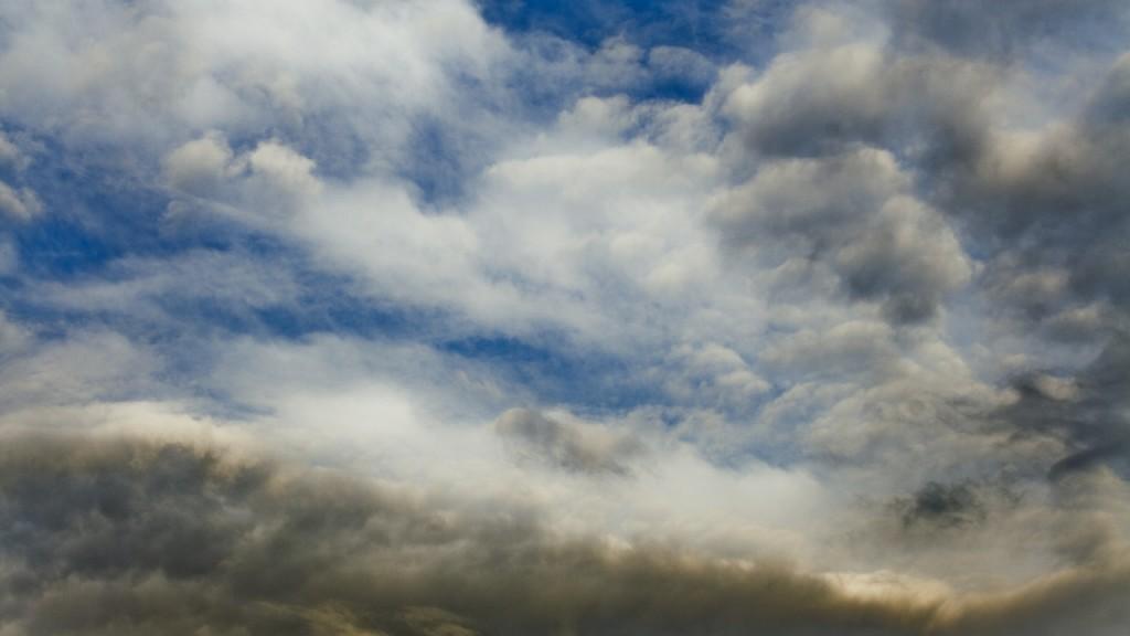 Timelapse clouds getting dark