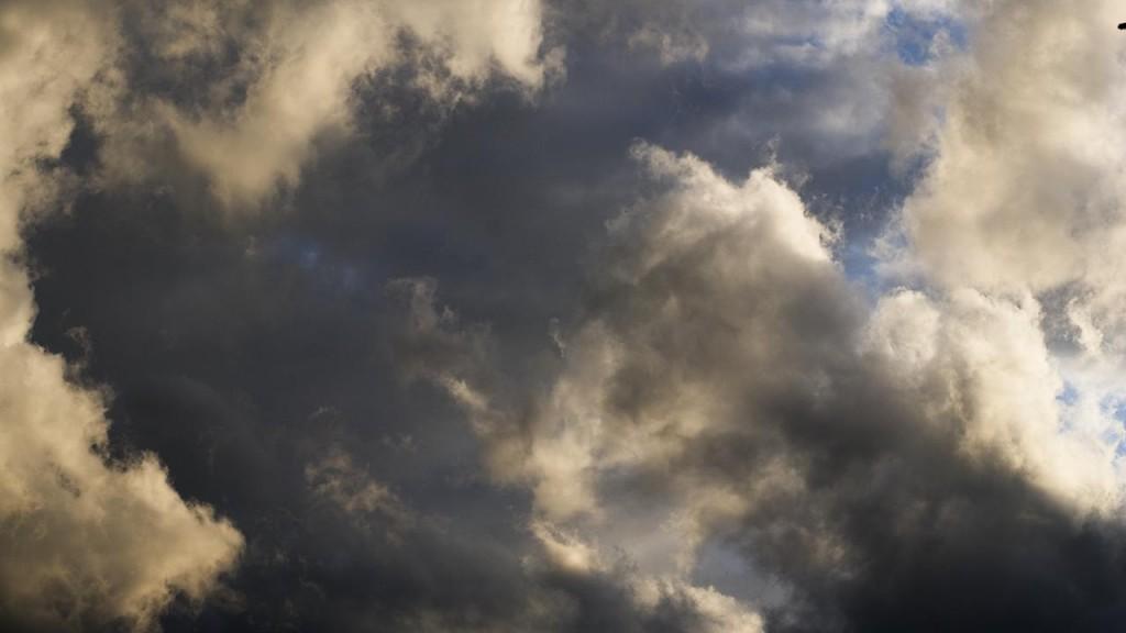 Timelapse clouds close