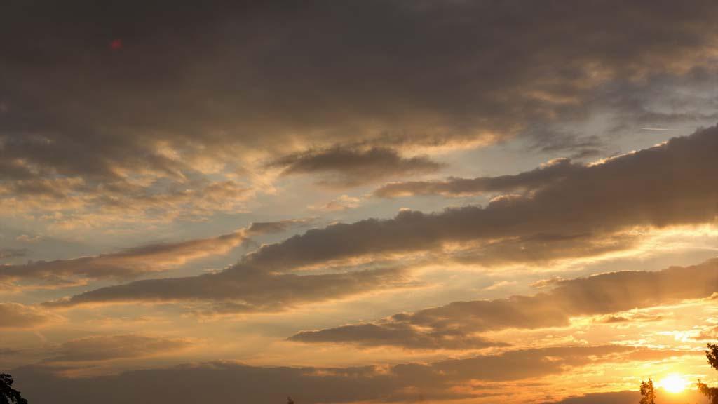Timelapse golden sunset