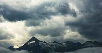 Timelapse dark clouds kitz