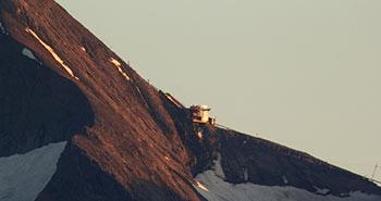 Timelapse detail mountain sunset