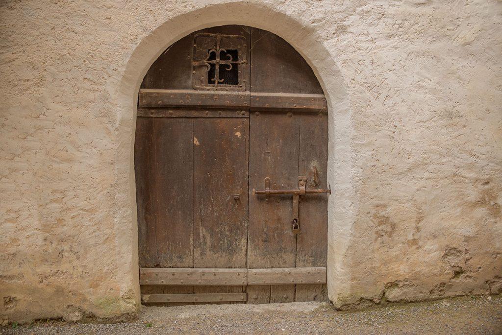 OpenfootageNET_Textures_MedievalDoors_0004